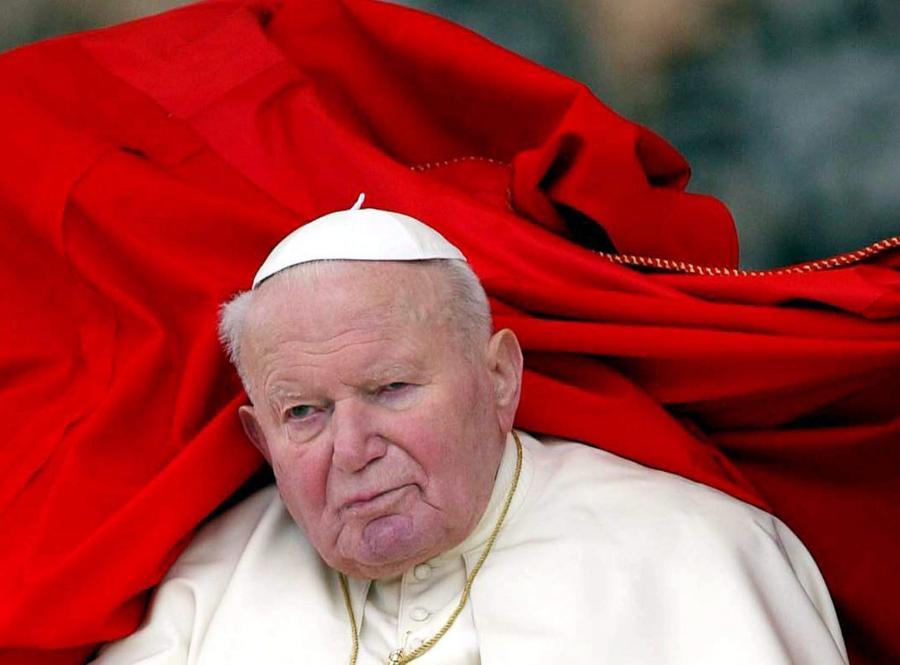 Oficerowie BOR zdradzają tajemnice. Chronili papieża przed zamachem