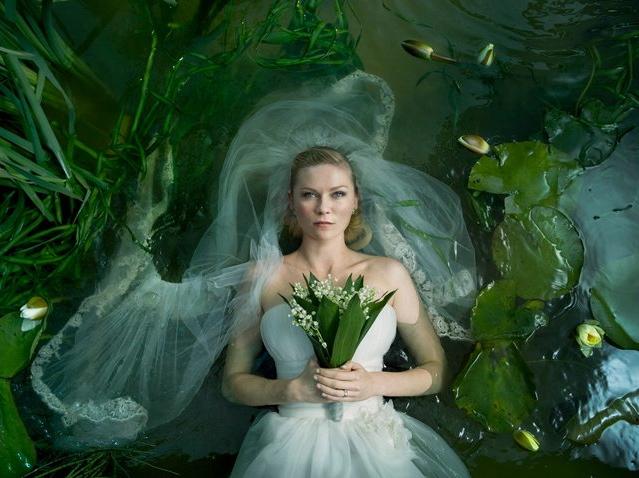 Melancholijna panna młoda Kirsten Dunst