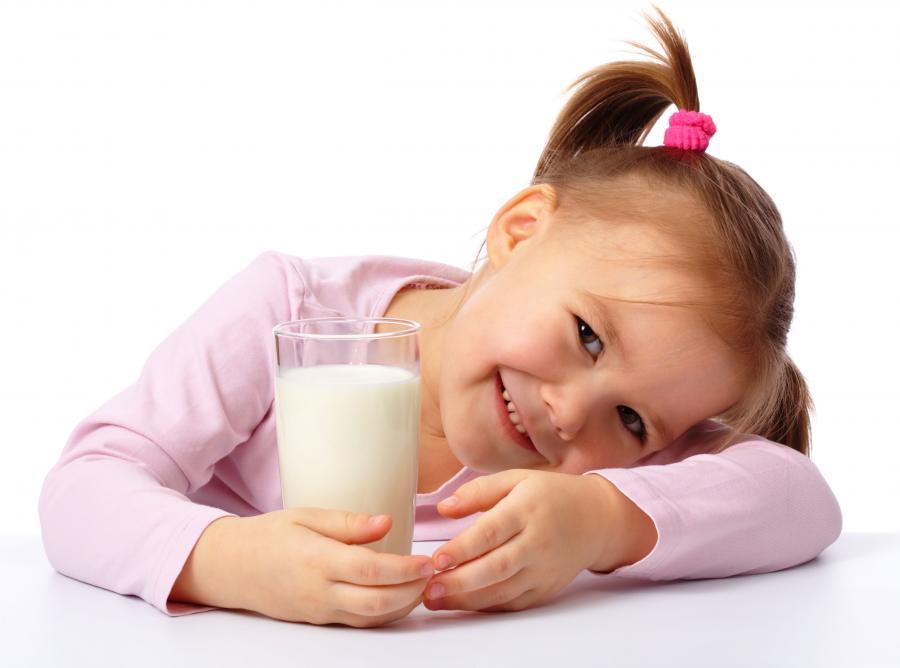Mleko nawadnia skuteczniej niż woda i napoje dla sportowców
