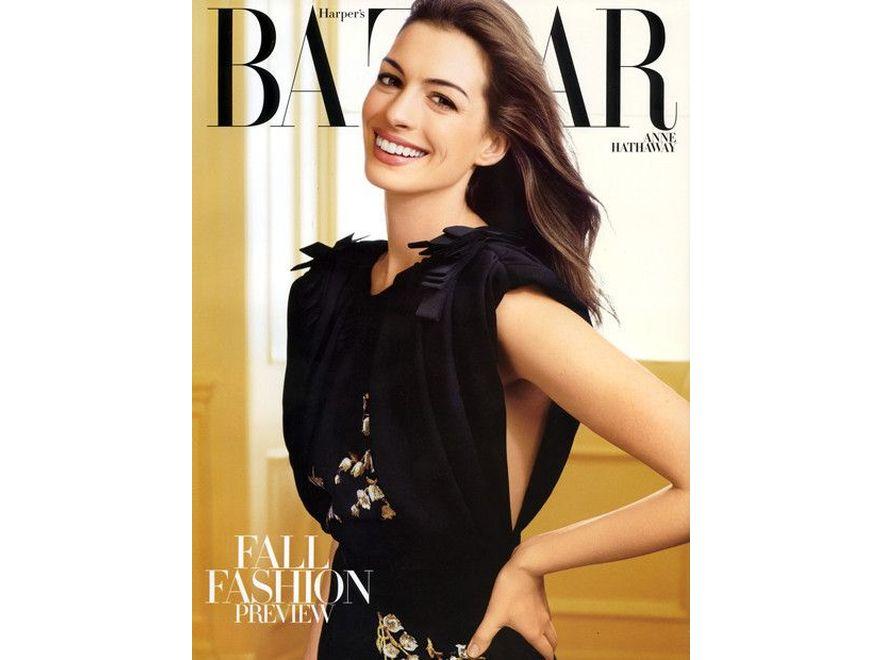 """Anne Hathaway na okładce """"Harper's Bazaar"""". Źródło: Harper's Bazaar"""