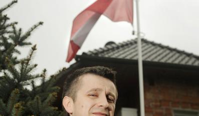 Grzegorz Chachula chce pobudzić dumę z flagi w stylu amerykańskim