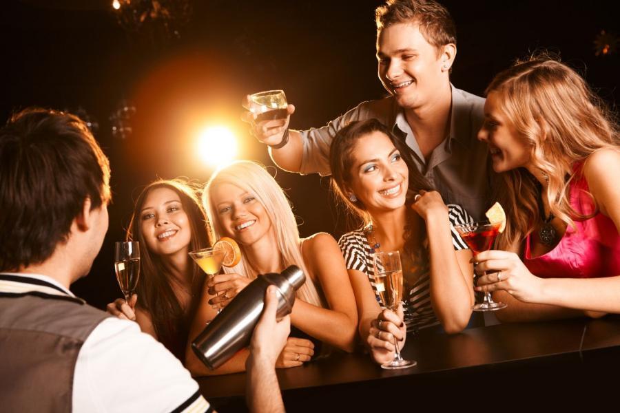 Do codziennego picia alkoholu przyznaje się pięć milionów Francuzów