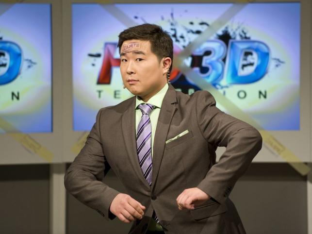 Bilguun Ariunbaatar, sympatyczny reporter z Mongolii to odkrycie Szymona Majewskiego. Bilguun zaskarbił sobie taką sympatię widzów, że w jesiennej ramówce orzymał swój własny program