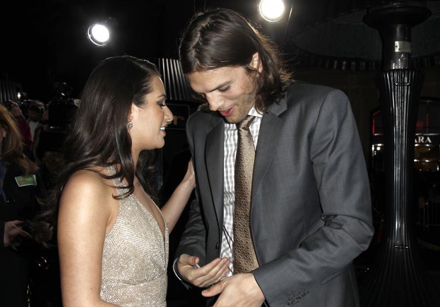 Aktor flirtuje z koleżanką z pracy