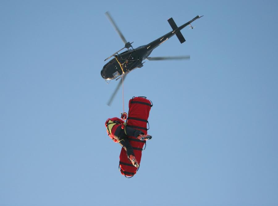 helikopter śmigłowiec topr gopr ratunek góry akcja
