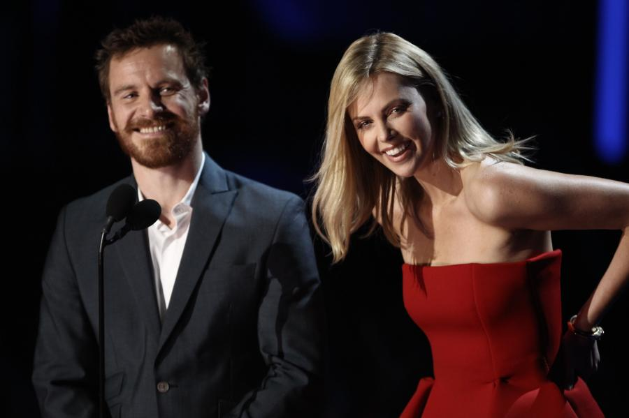 Michael Fassbender i Charlize Theron na gali MTV Movie Awards