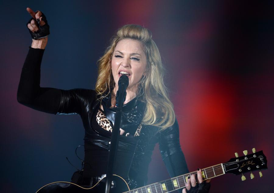 Madonna podczas koncertu w Berlinie