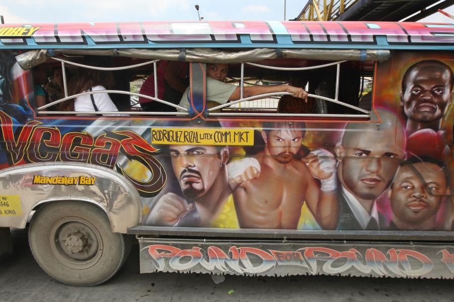 Filipiński minibus