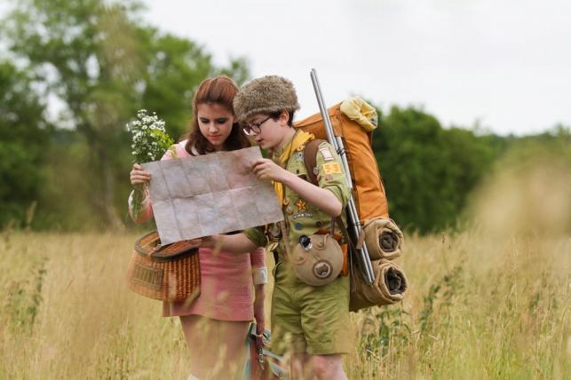 """Jared Gilman i Kary Hayward w filmie """"Moonrise Kingdom. Kochankowie z Księżyca"""""""