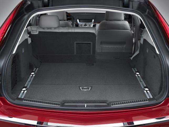 W ładowni zmieści się 720 litrów. Po złożeniu tylnych siedzeń bagażnik połyka 3452 litry