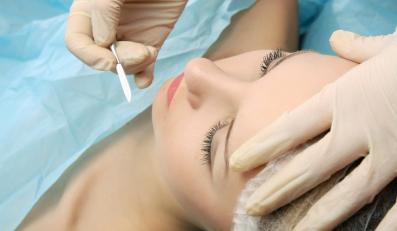 Operacja plastyczna twarzy