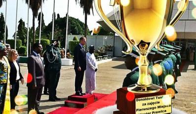 Donald Tusk w Nigerii. NAJLEPSZE MEMY