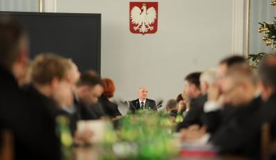 Posiedzenie paramenteranego zespołu Antoniego Macierewicza