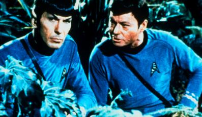 "DeForest Kelley i Leonard Nimoy w filmie ""Star Trek 3"""