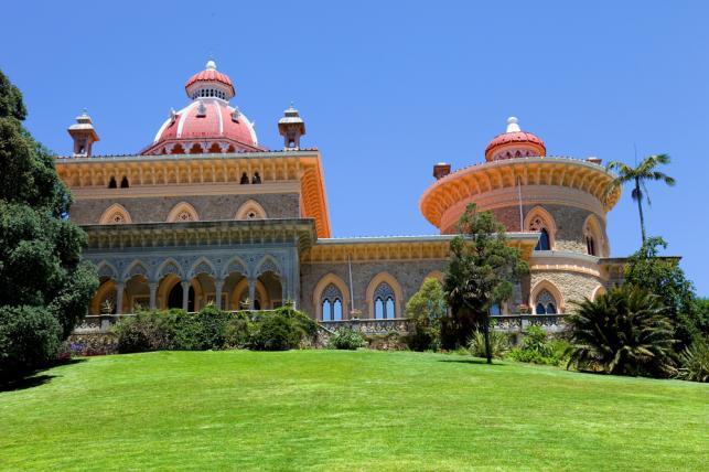 Zamek Monserrate jest równie piękny jak znajdujący się przy nim park