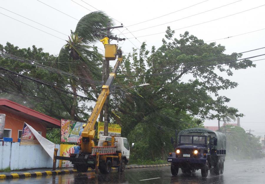 Tajfun Haiyan zbiera śmiertelne żniwo