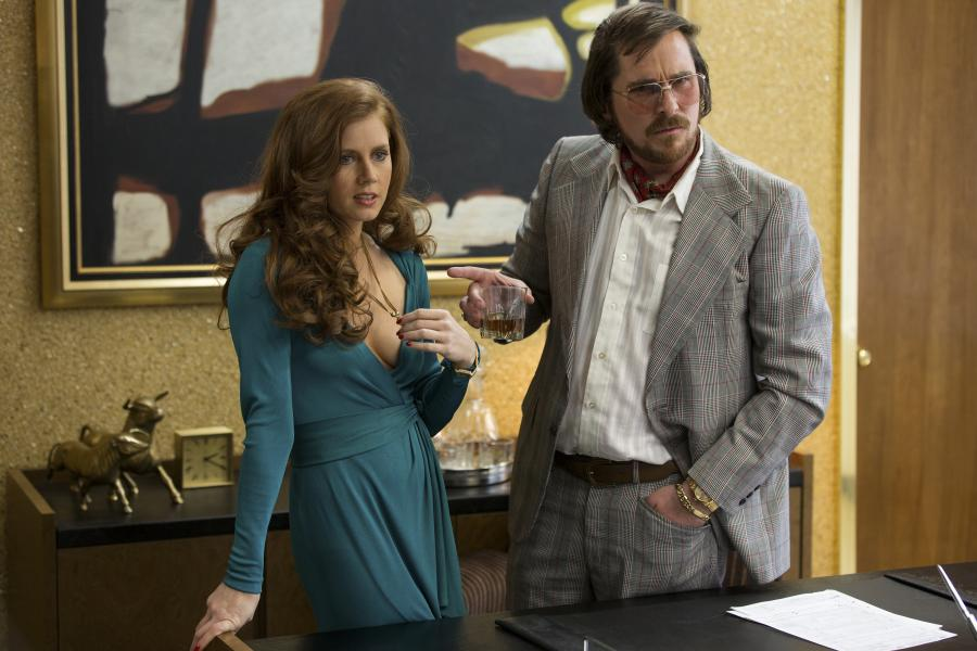 Christian Bale i Amy Adams w filmie \