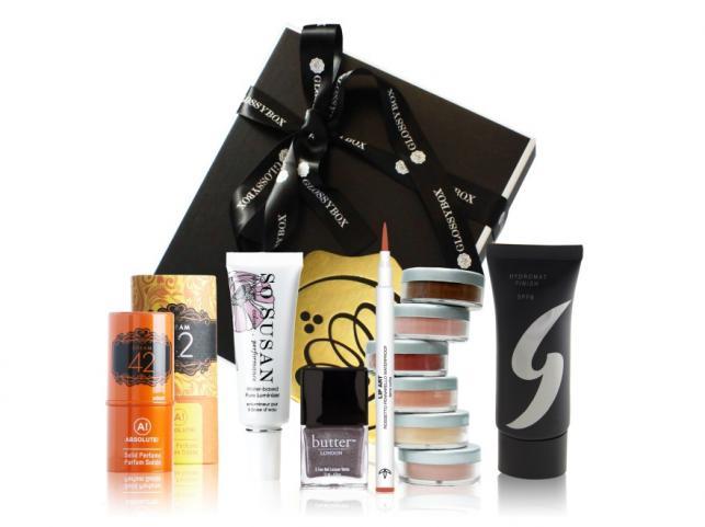 Pomysł na prezent dla kobiety: zestaw kosmetyków