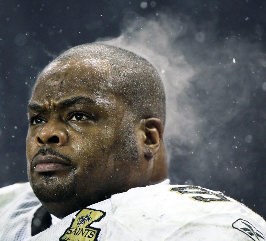 Zmęczony obrońca New Orleans Saints Hollis Thomas