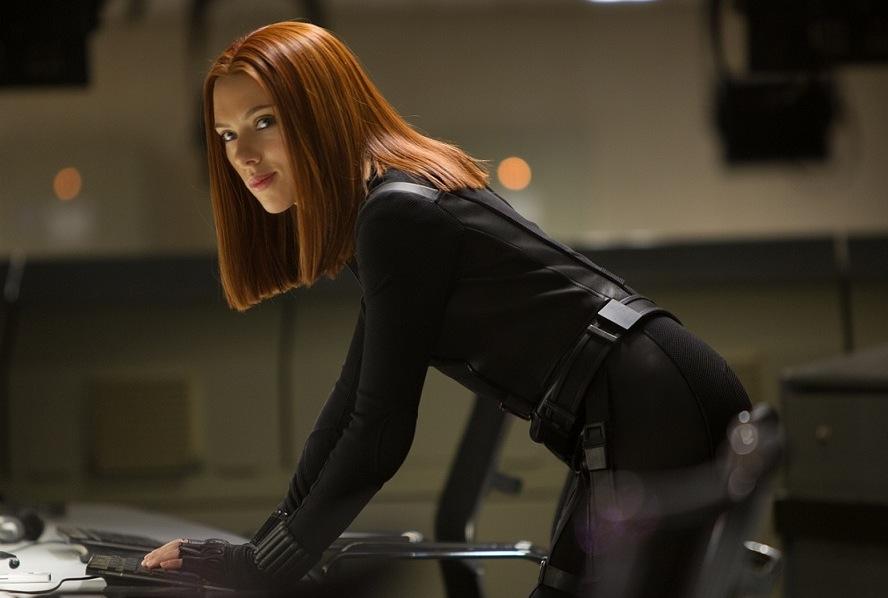 Scarlett Johansson jako Czarna wdowa w filmie \