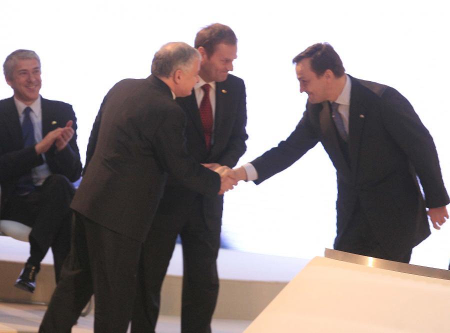 W informatorze o składzie delegacji na szczyt w Lizbonie zabrakło zdjęcia Lecha Kaczyńskiego
