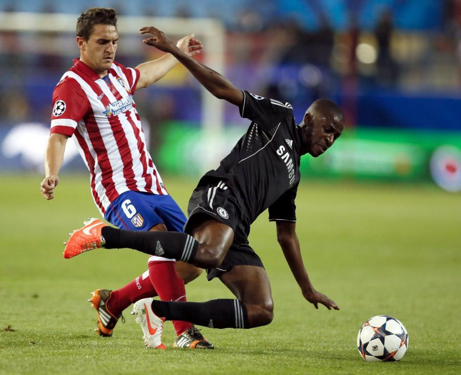 O piłkę walczą Koke i Ramires