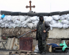 Ubzrojony mężczyzna niedaleko Słowiańska na Ukrainie