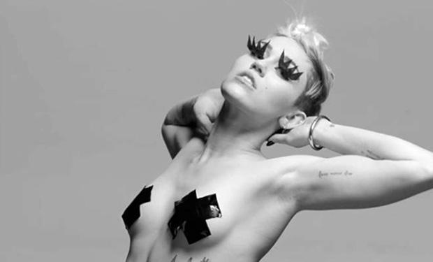 Miley Cyrus nago i sado-maso