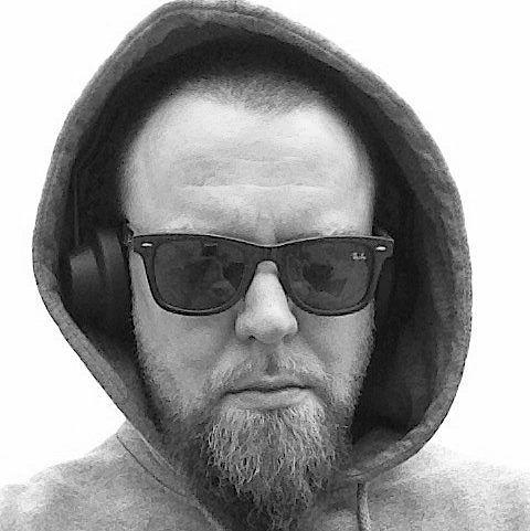 Maciej Wyrobek odszedł