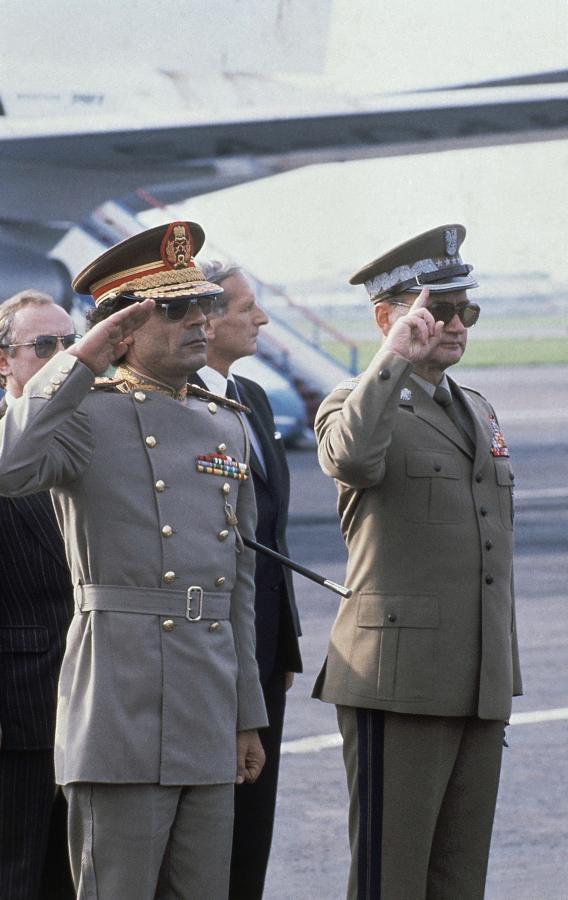 Przywódca Libii Muammar Kaddafi i generał Wojciech Jaruzelski