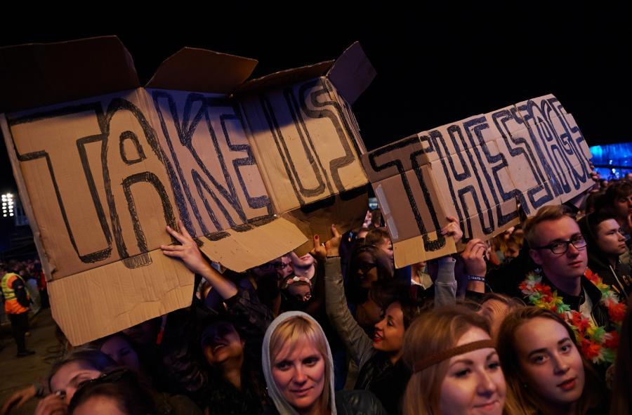 Publiczność podczas koncertu zespołu Foster The People