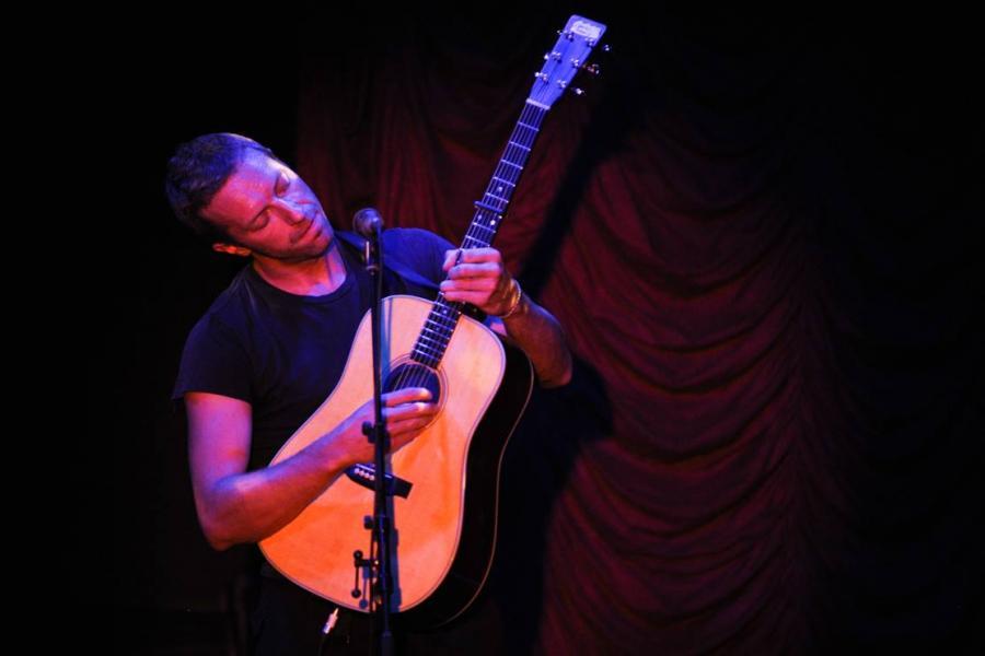 Chris Martin wykonał akustyczną wersję \