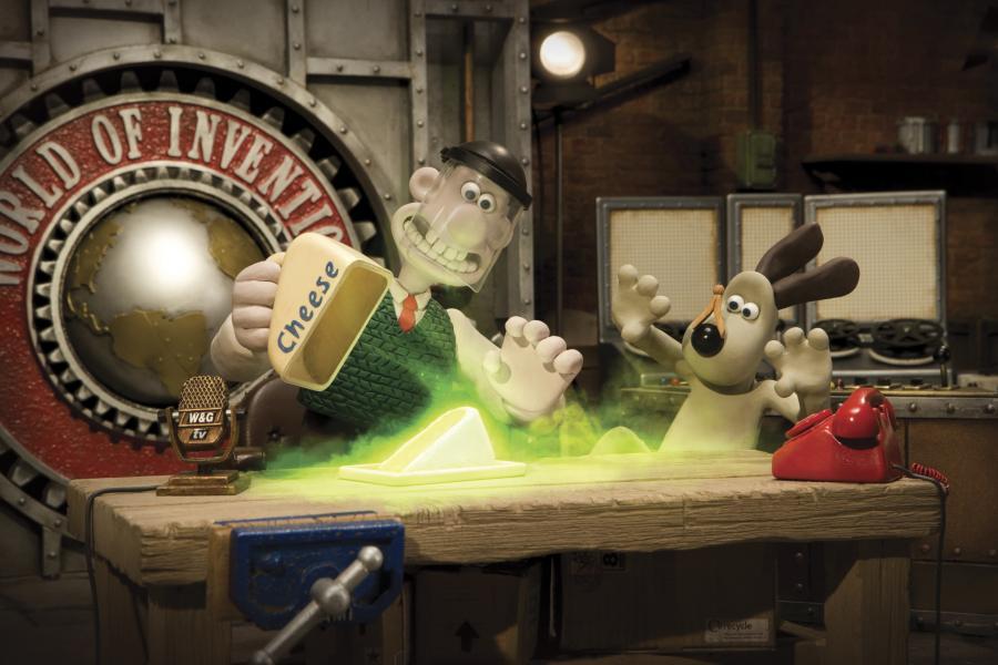 """""""Wallace i Gromit w świecie wynalazków"""" bawią i uczą"""