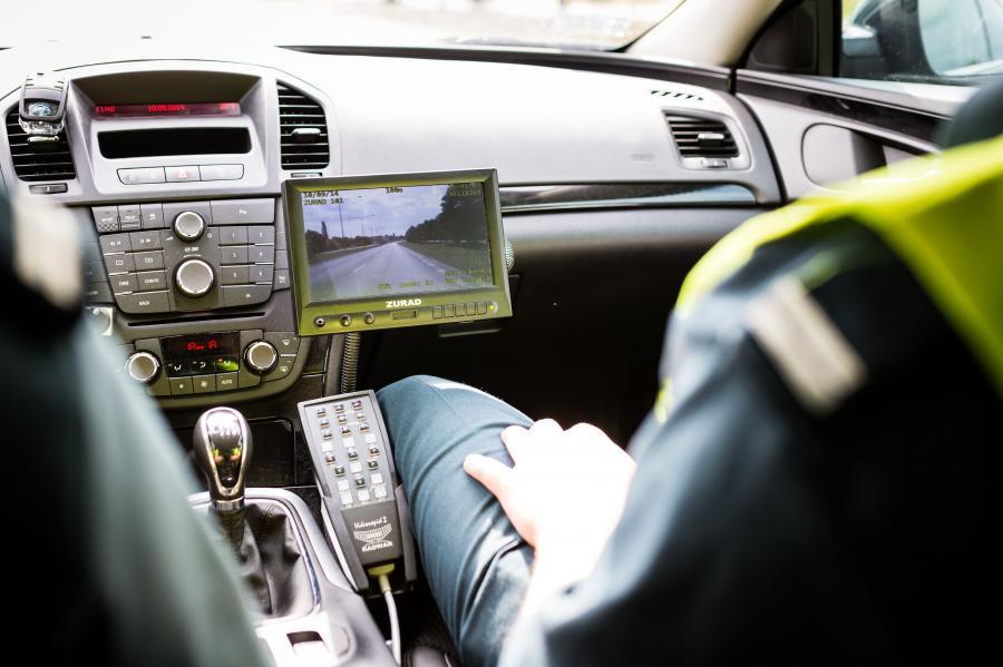 Policja przejęła radiowozy ITD