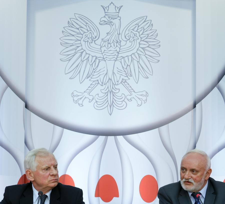 Sekretarz PKW Kazimierz Czaplicki i członek PKW Włodzimierz Ryms