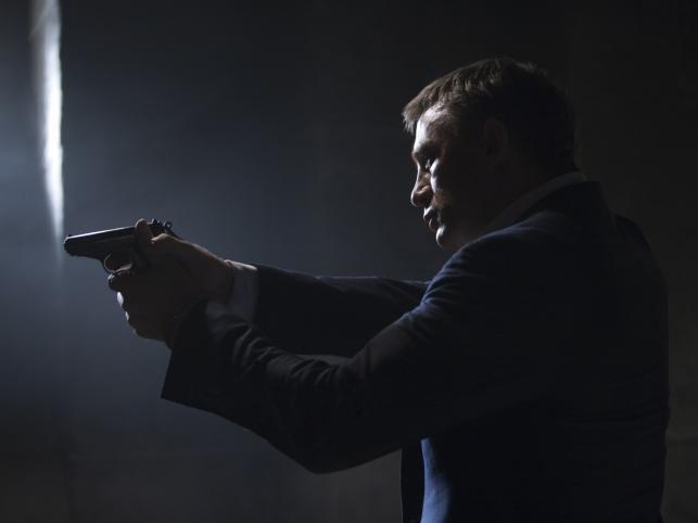 Oto 10 najlepszych piosenek do Bonda...
