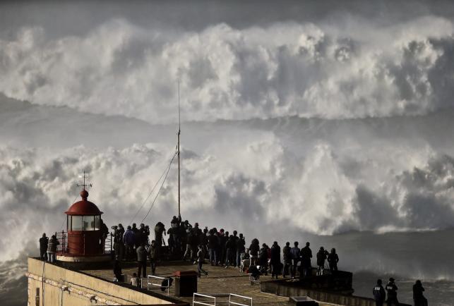 Azory to raj dla surferów. Nawet w grudniu, a zwłaszcza teraz