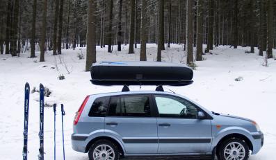 Jak upchać narty na dachu?