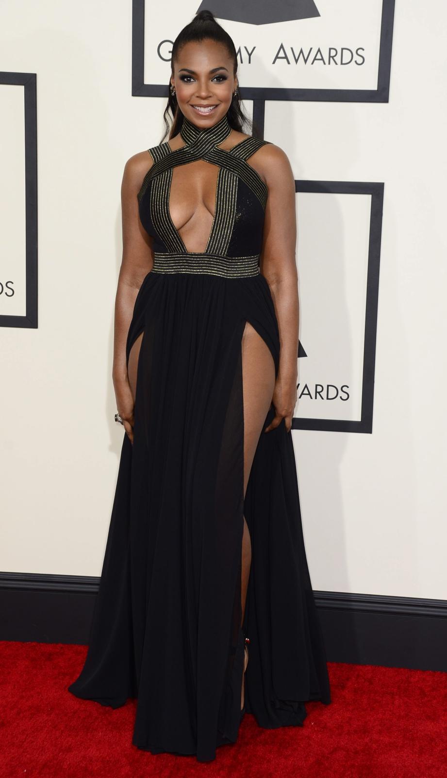 Najbardziej rozebrane gwiazdy na gali Grammy 2015: Ashanti