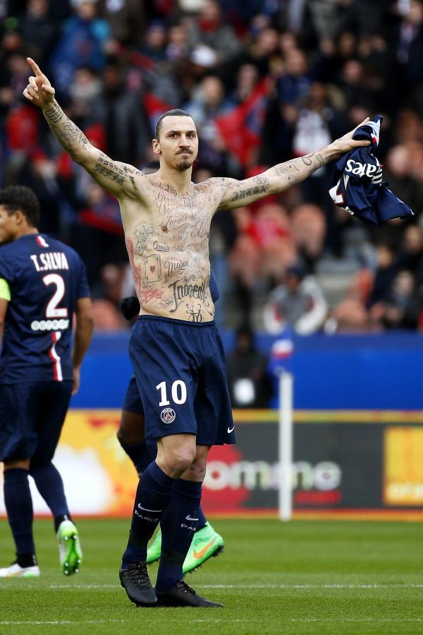 50 nowych tatuaży na ciele Ibrahimovicia. Piłkarz ucieka z więzienia?