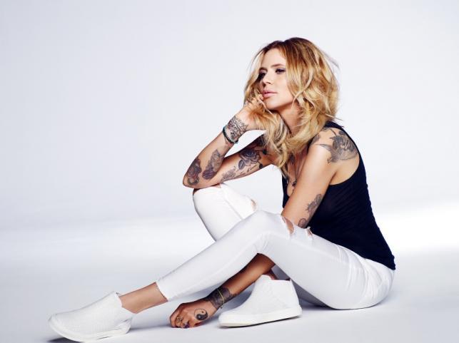 Maja Sablewska w kampanii Carinii wiosna/lato 2015