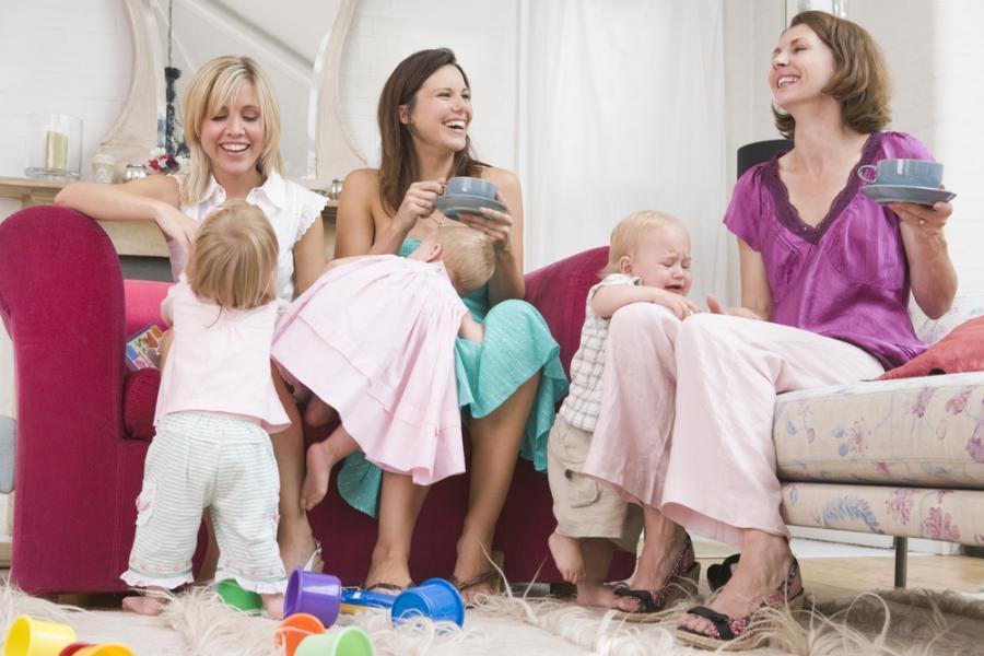 Spotkanie przyjaciółek z dziećmi