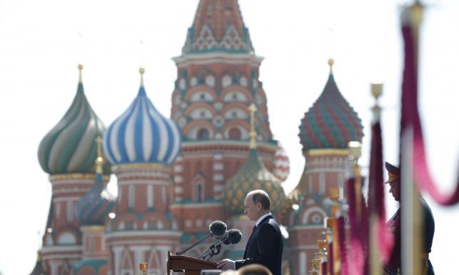 16,5 tysiąca żołnierzy na Placu Czerwonym. Putin mówił o hitlerowskiej awanturze
