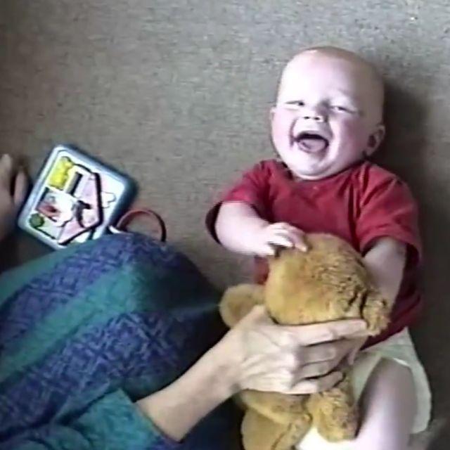 Ed Sheeran ujawnia wzruszające ZDJĘCIA z dzieciństwa – zobacz!