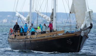 Jacht OnkoRejsu na morzu