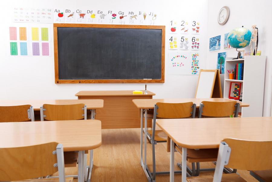 Ławki w klasie