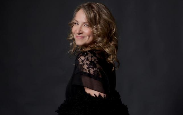 "Joan Osborne – ""One of Us"""