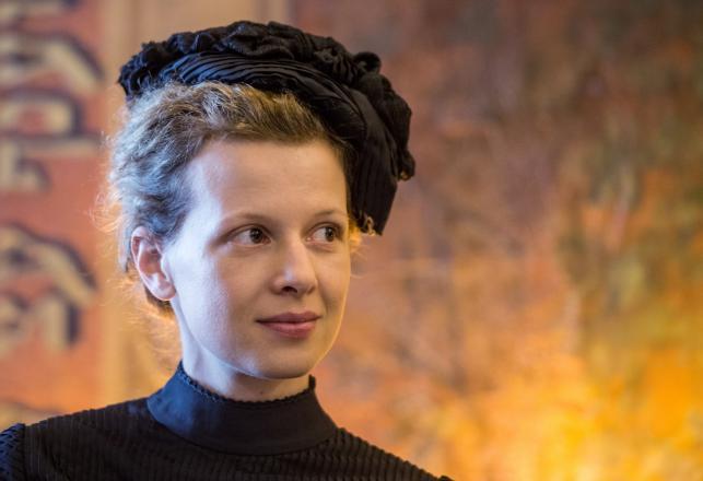 "Karolina Gruszka na planie filmu ""Maria Curie"""
