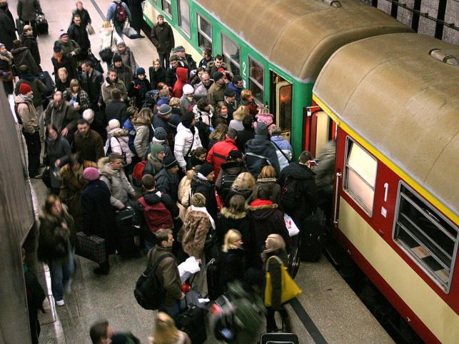 Nie wszystkim udaje się wsiąść do pociągu