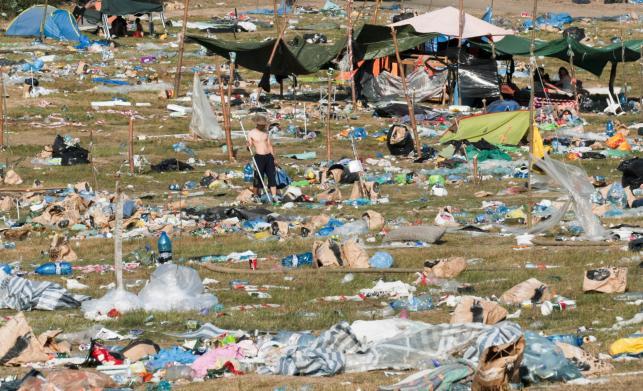 Sprzątanie po Przystanku Woodstock